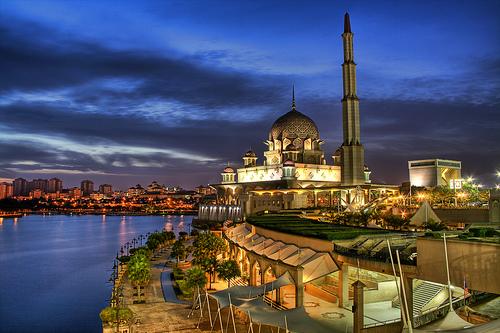 putrajaya-mosque.jpg