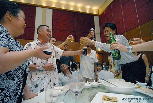 cheers3_rs.jpg